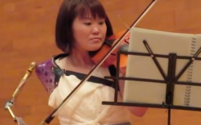 One-Armed Violinist Performs Beautiful Solo With Custom-Built Prosthetic Bow Arm