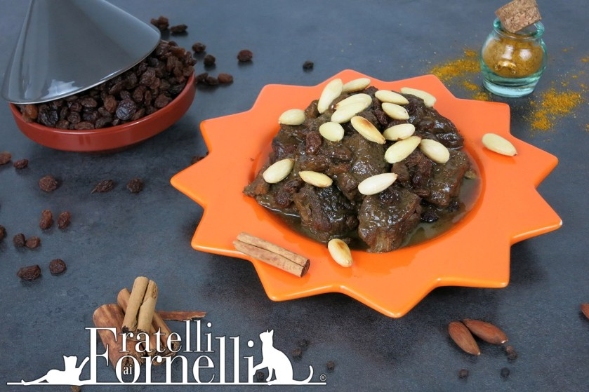 Mrouzia meat tagine with almonds and raisins recipe fratelli ai today were going back to middle east to prepare together one of the most famous moroccan tagine the mrouzia is a meat tagine sweetened with honey and forumfinder Image collections