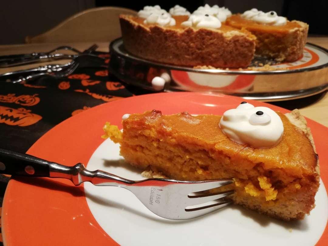 Amerikanischer Kurbiskuchen Rezept Mit Grusel Deko Fur Halloween