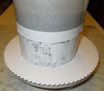 CakeCrack auf Torte auftragen