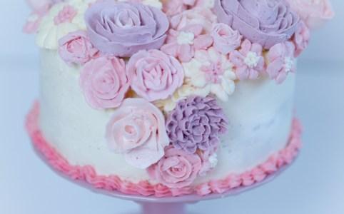 Buttercremeblumen selber machen, Buttercreme Blumen selbst herstellen, Anleitung Buttercreme-Blumen