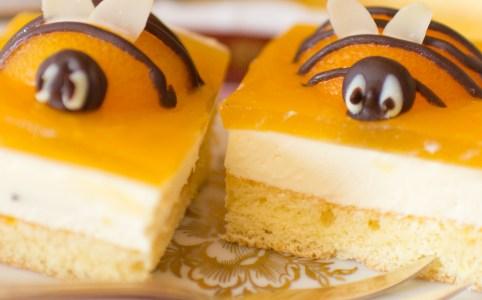 Oster-Kuchen, Osterkuchen, Osterdessert, Bienenkuchen, Aprikosenkuchen