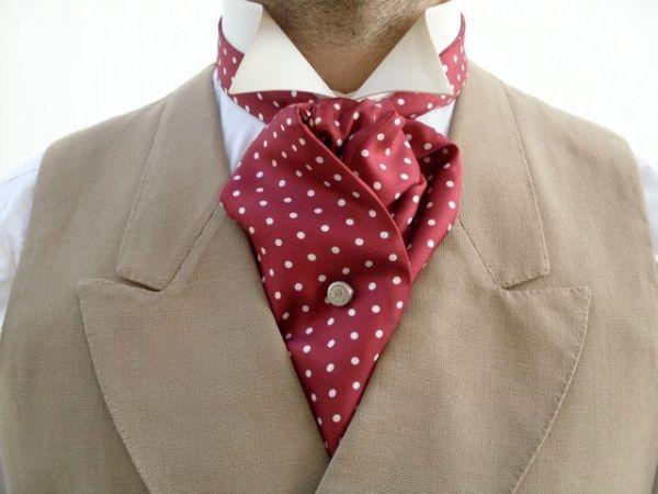 Как правильно выбрать мужской шелковый шарф