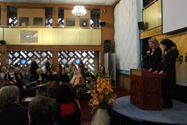 Dr. Michaela Will u. Mahnaz Mashreghi moderieren den Tag