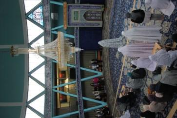 Frauen beim muslim. Mittagsgebet