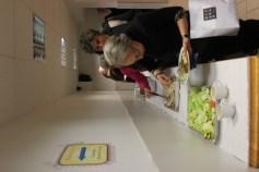 Teilnehmerinnen am Mittagsbufett