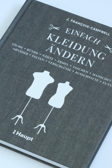 Buch einfach Kleidung ändern Rezension von Frau Fadegrad