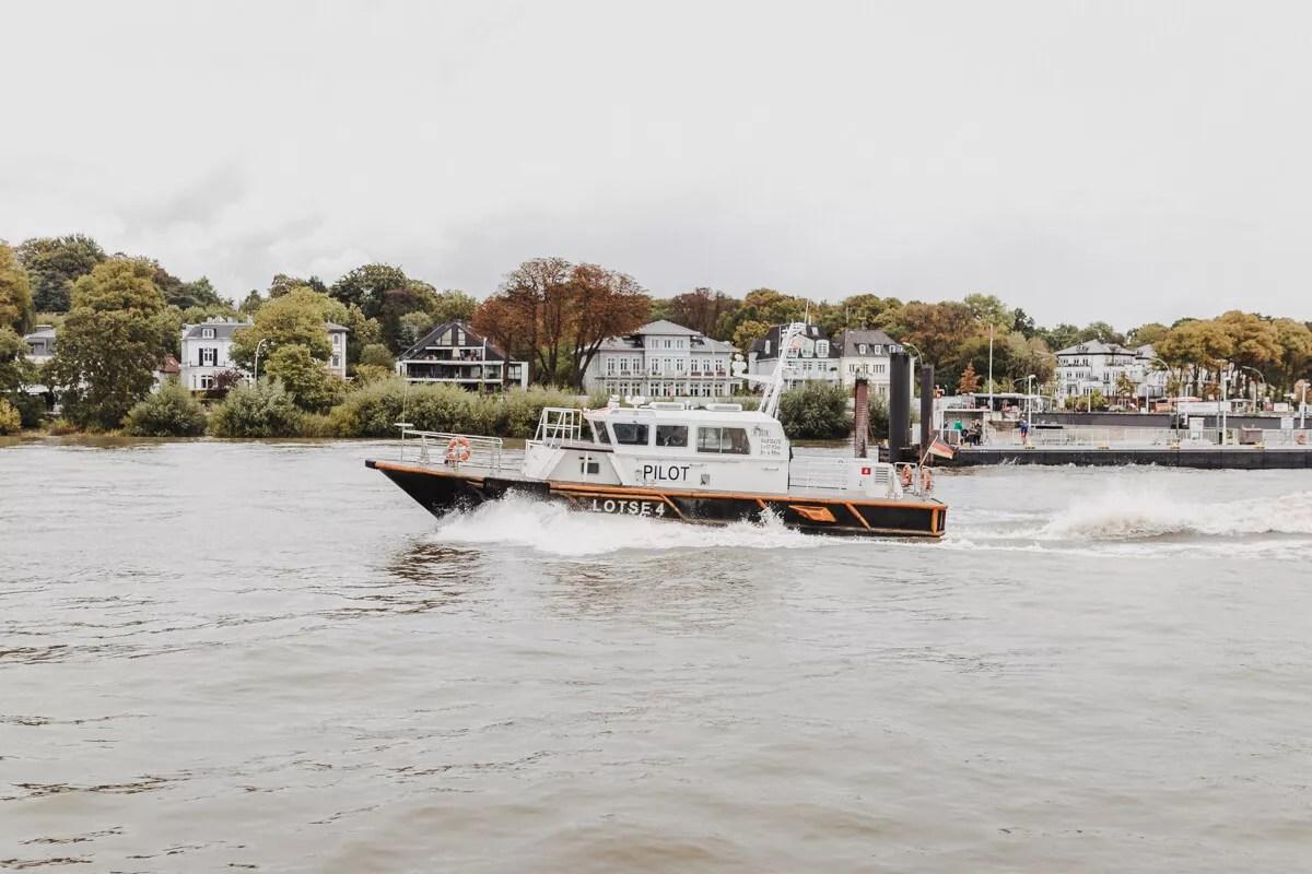 An Bord der Elbe1 bei der Parade der Traditionsschiffe beim Elbfest 2018 höhe Teufelsbrücke