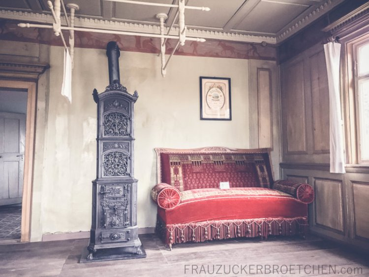 freilichtmuseum_beuren_haus_der_schultheißenfamilie_wohnzimmer_frauzuckerbroetchen