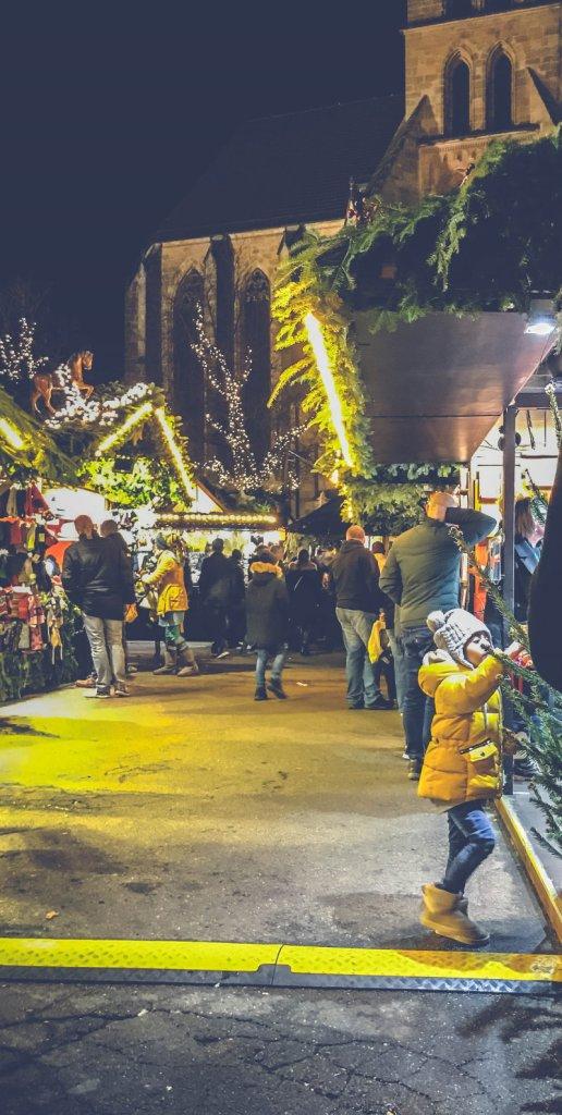 Es gibt so viel zu sehen auf dem Weihnachtsmarkt
