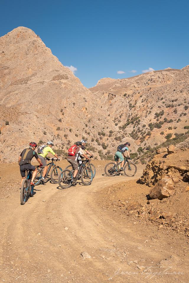 Freak Mountainbike Centre - the guys follow Ina from Girlsridetoo