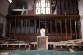 urban exploration photograph of an abandoned church