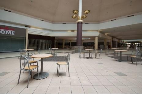 Abandoned Niagara Square Shopping Mall Niagara Falls Ontario