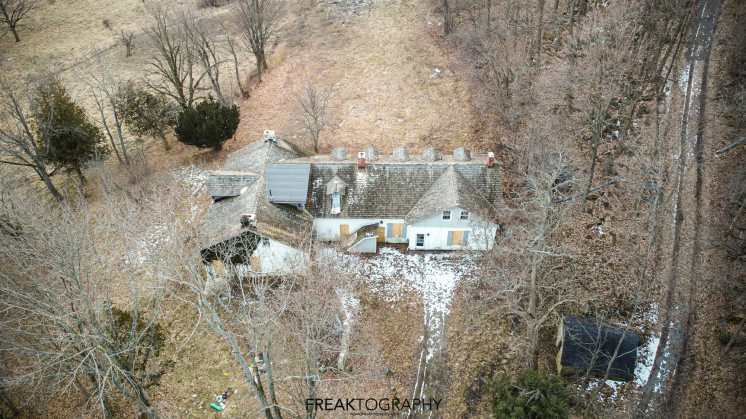 abandoned woodhill heritage house