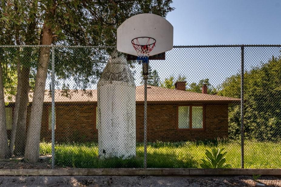 abandoned airbnb mansion urban exploring