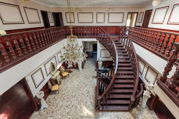 abandoned 8 million dollar dentists mansion