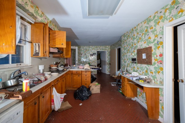 ABANDONED UNTOUCHED $5,500,000 1965 Time Capsule Mansion
