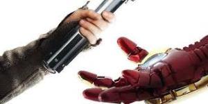"To ""Star Wars"" παραδίδει τη σκυτάλη στο ""Infinity War"""