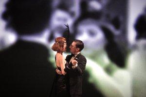 #Μία στάση στο θέατρο | Streaming παραστάσεις για το Δεκέμβρη