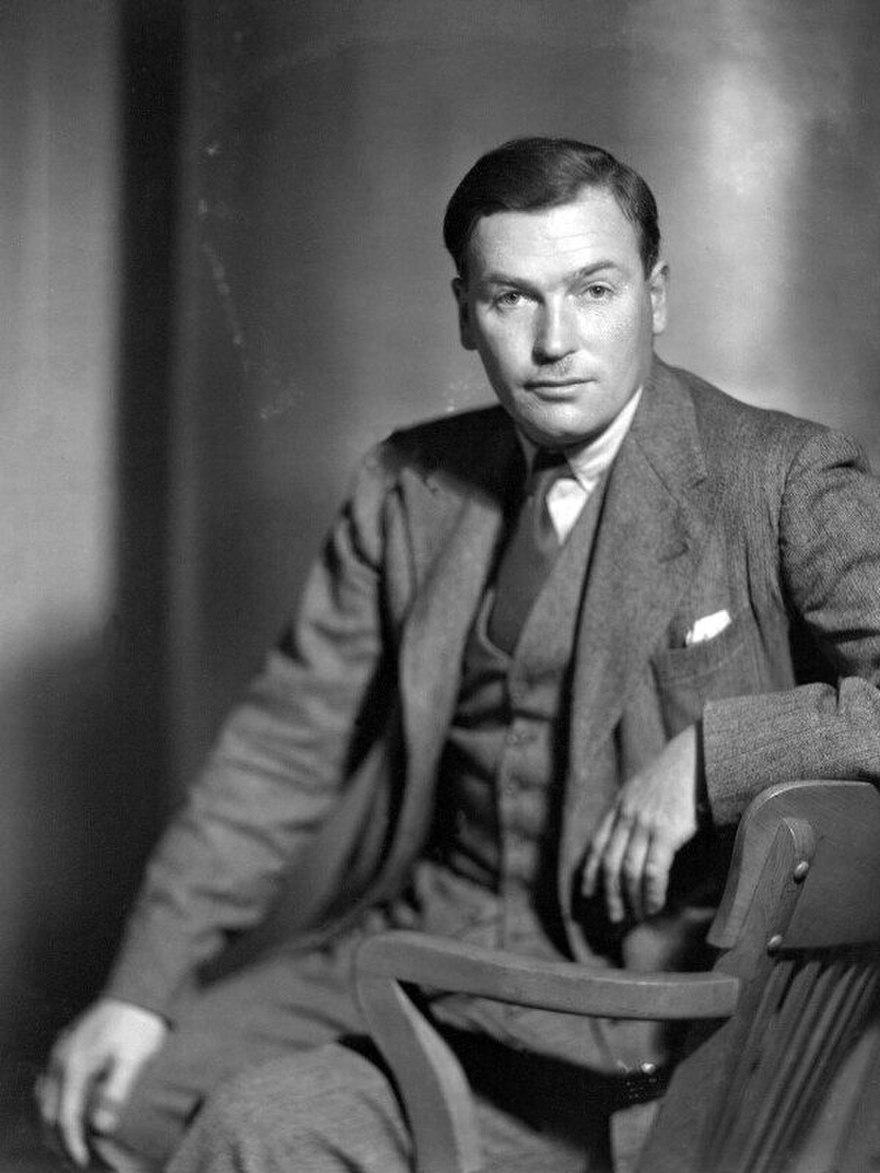 Φωτογραφία του ποιητή από τον Howard Coster (1931)