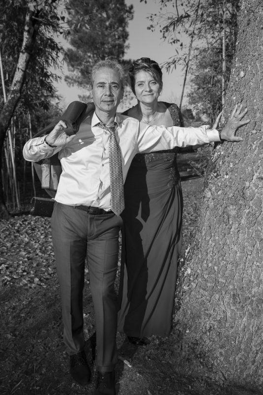 photos de mariés en noir et blanc