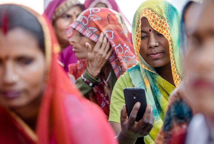 smartphone-indian.jpg