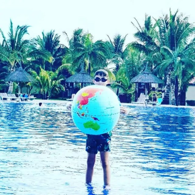 What to pack on a family holiday - Inflatable Globe Ball