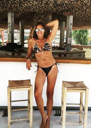 Βίκυ Κουλιανού: Ρίχνει το instagram και στα 50 της! (Εικόνες)