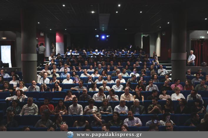 Λαμπερή πρεμιέρα για το «Adults in the room» του Κώστα Γαβρά (εικόνες)