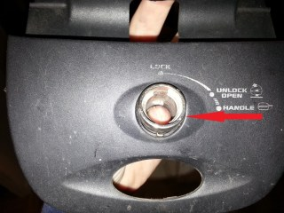 Retirer les 2 cylindres - vue extérieure
