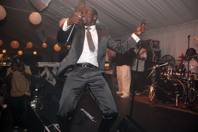 Akon-stage