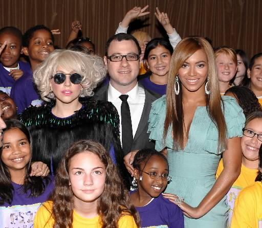 Lady-Gaga-and-Beyonce