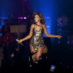 "Beyonce Performs ""Party"", ""Countdown"", And ""Love On Top"" At Roseland Ballroom (VIDEOS)"