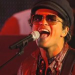 Video: Bruno Mars Performs Live On Jimmy Kimmel