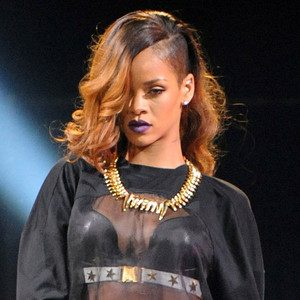 RHIANNA-CANCELLED-Tour