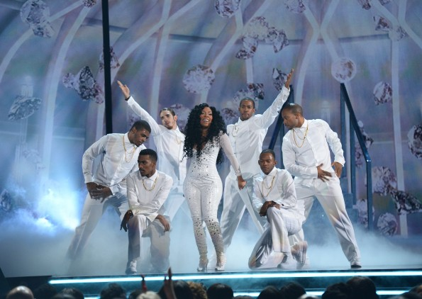kmichelle-soul-train-awards-2013-freddyo