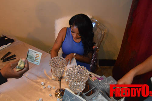 toya-wright-atlanta-how-to-lose-a-husband-book-signing-freddyo-101