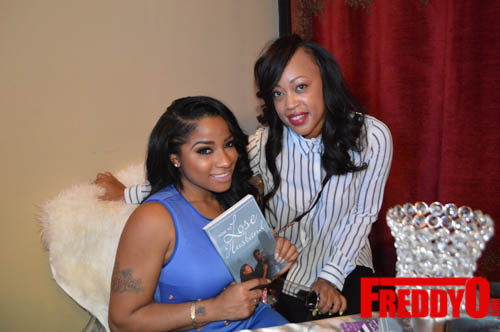 toya-wright-atlanta-how-to-lose-a-husband-book-signing-freddyo-118