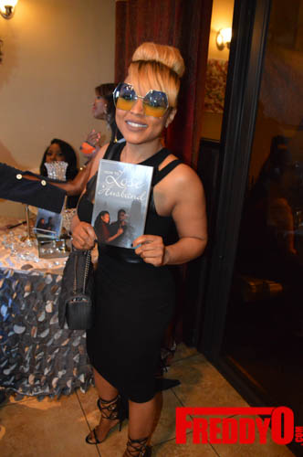 toya-wright-atlanta-how-to-lose-a-husband-book-signing-freddyo-225