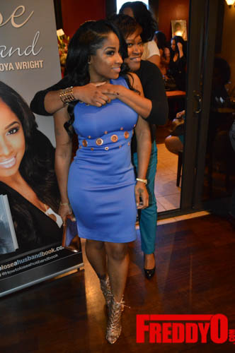 toya-wright-atlanta-how-to-lose-a-husband-book-signing-freddyo-52