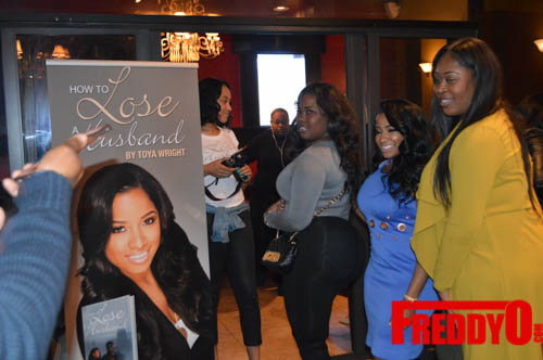 toya-wright-atlanta-how-to-lose-a-husband-book-signing-freddyo-68