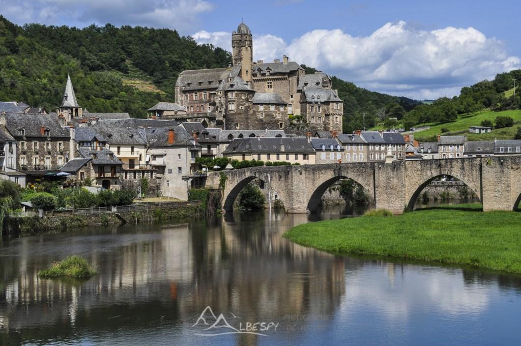 Estaing (Plus beaux villages de France) n°1119