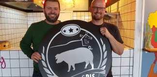 "Kasper Østergaard og Martin Andersen åbner ""Gris & Gris"" på Urbania Streetfood. Foto: Thomas Lægaard, Fredericia AVISEN."