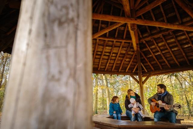 seance photo famille automne photographe enfant parc de sceaux antony haut de seine musique guitare
