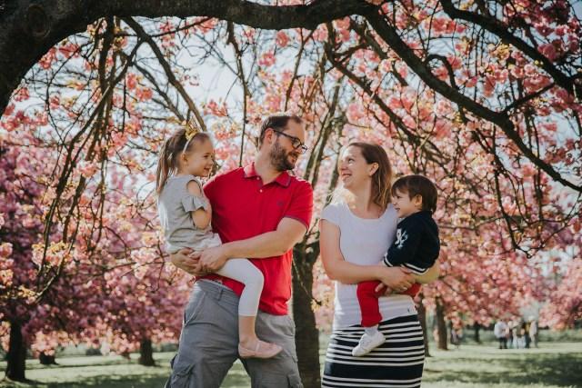seance photo famille parc de sceaux cerisiers printemps