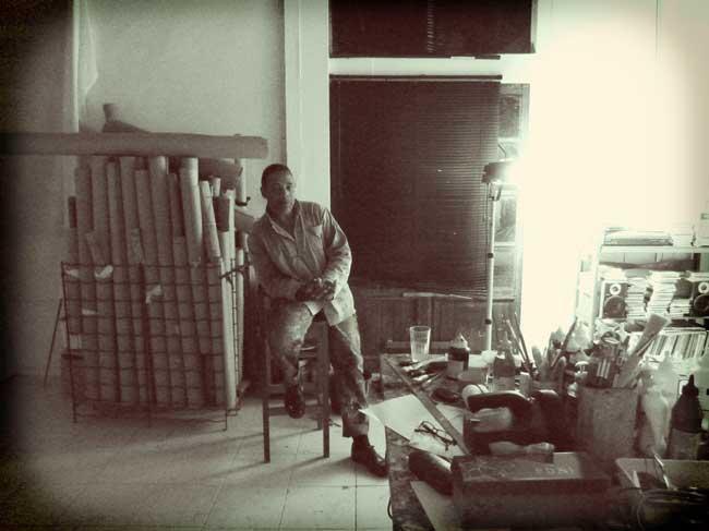 Raymond Médélice dans son atelier, Blaize