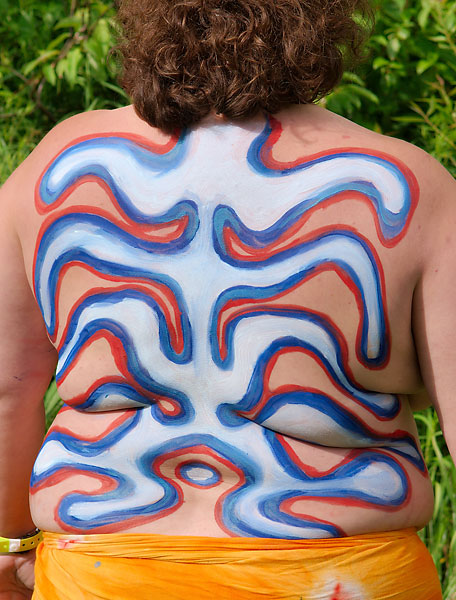 Victory Back, 2009, body paint and photo by Fred Hatt