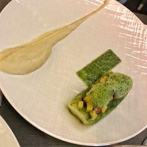 Lieu jaune aromatisé à la coriandre, topinambour, ananas et moules de Bouchot au Burgundy Lounge