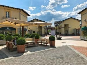 Les rues du Outlet Serravalle