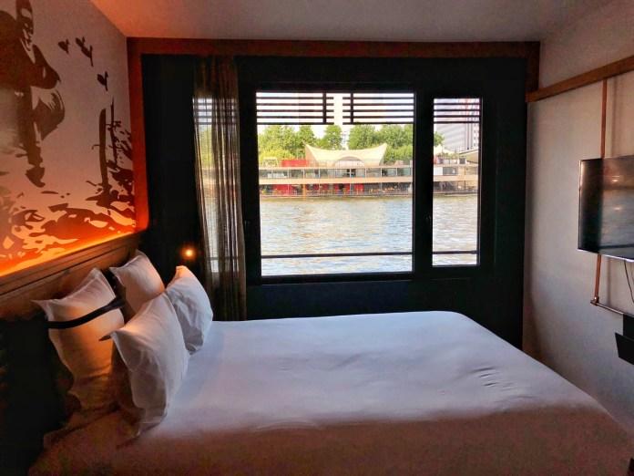 Hôtel OFF Paris Seine : Chambre avec vue sur la seine